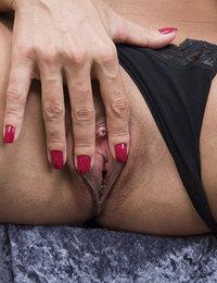 hot mom pics